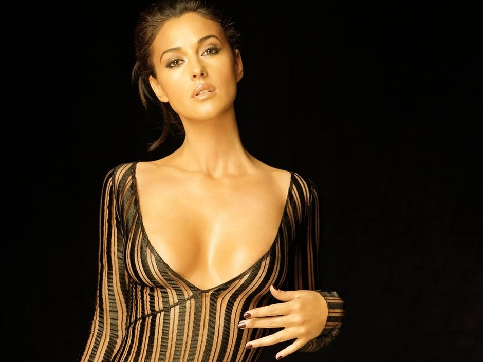 Erotica Monica Bellucci  nude (41 pictures), YouTube, braless
