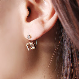 cube motive earring