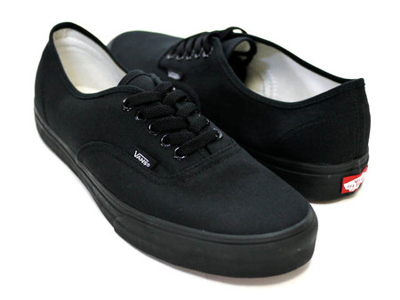 VANS - AUTHENTIC (BLK/BLK)
