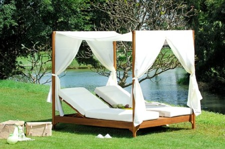 Azzurro Living - Canopy Day Bed