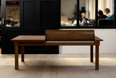 Wood table piano