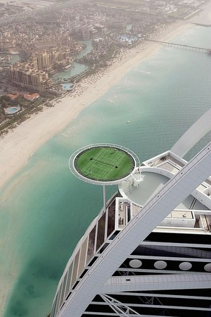 UAE - Agasi vs Federer at the Burj Al Arab hotel in Dubai