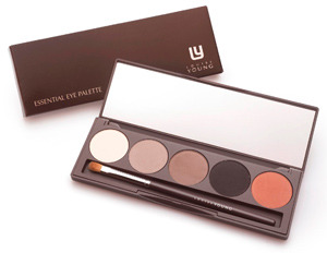 LOUISE YOUNG - Essential Eyeshadow Palette