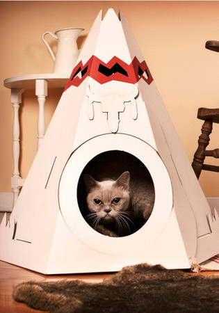 Loyal Luxe - The Purr-fect Place Pet House