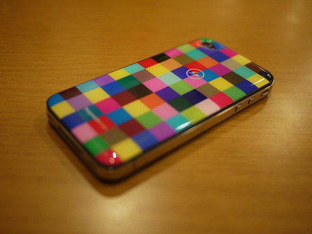 Gizmobies, fragment design - Skins for iPhone 4/4S