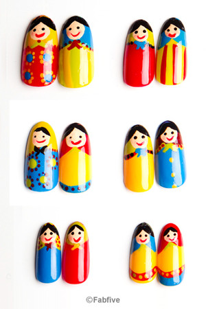Nevertoomuchglitter - Matryoshka Nail Tips