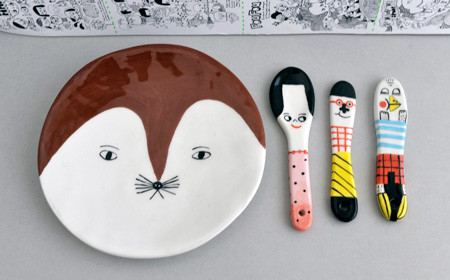 Lili Scratchy - dish and spoons