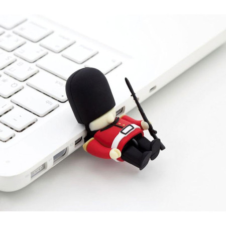Queen's Guard Driver USB Memory
