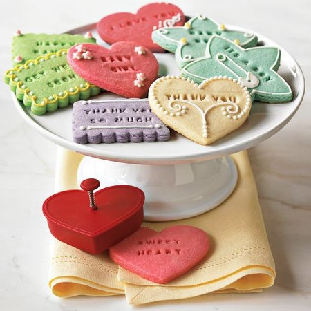 WILLIAMS SONOMA - Message-in-a-Cookie Cutters