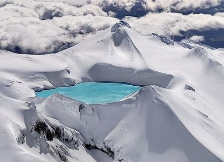 New Zealand  - Emerald Lake, Tongariro National Park