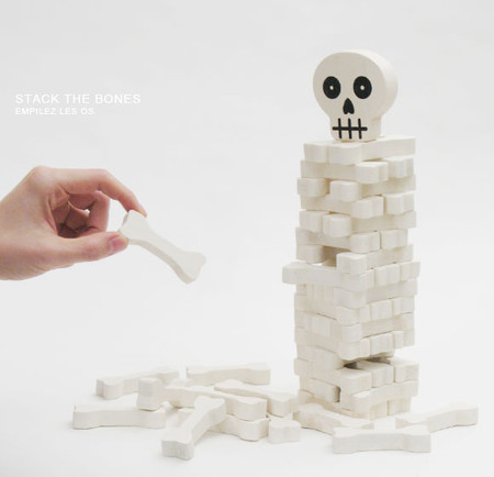 KIKKERLAND - Stack The Bones