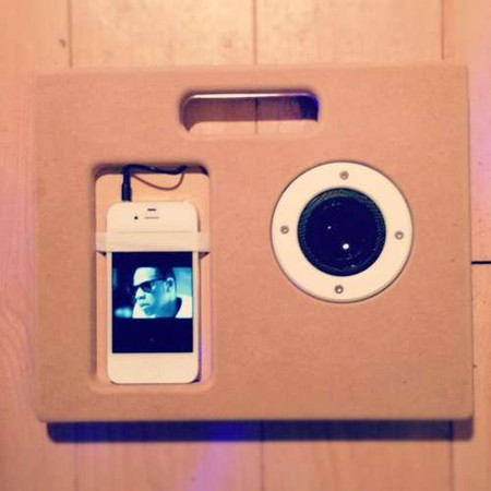 Instructable - MDF iPhone Boombox