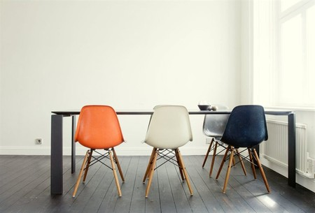 Eames - Shell side Chairs