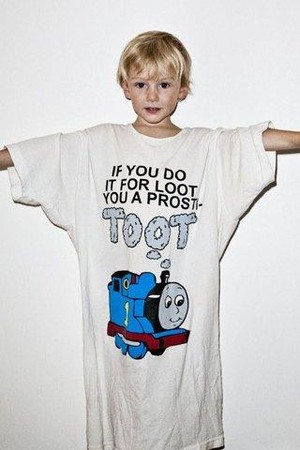 """""""If you do it for loot you are a prosti-toot"""" t-shirt"""