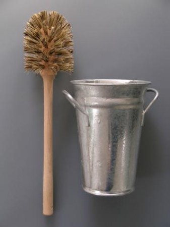 LABOUR AND WAIT - Toilet Brush and Holder