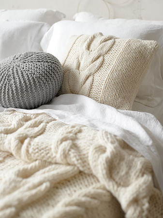 Knit work Bed