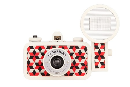 Lomography - La Sardina Camera & Flash - Cubic
