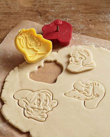 Snow White & the Seven Dwarfs Cookie Cutters, Set of 4