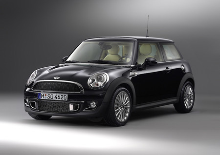MINI - INSPIRED BY GOODWOOD